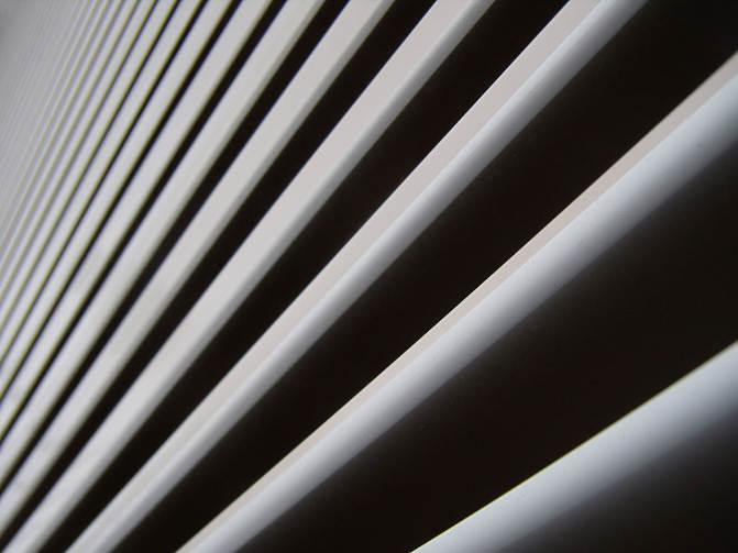 Wykończenie okien - rolety wewnętrzne oraz zewnętrzne